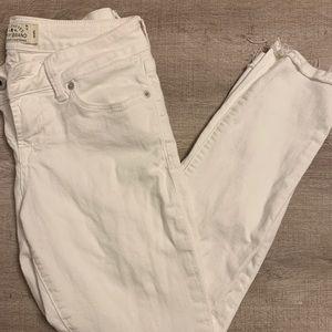 NWOT Lucky Brand White Skinny Jeans 0
